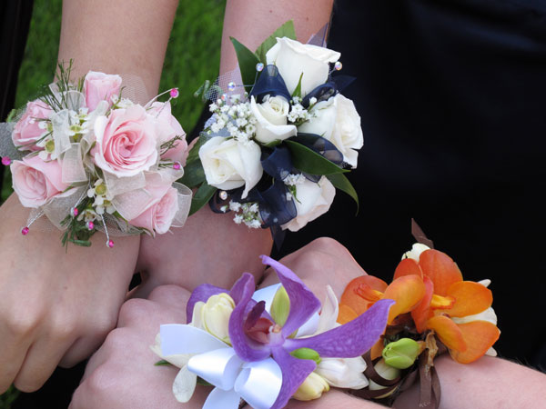 Wrist_corsages- Prom-Flowers
