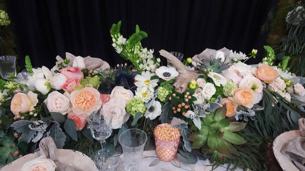 wedding-table-garland-lush-flowers