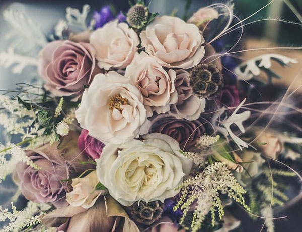 Image via Lush Flowers at http://lushflowershouston.com/weddings_and_events/gallery/index/gallery_id/3/