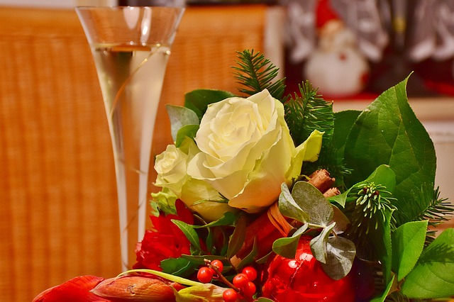 Florist-Holiday-Giving