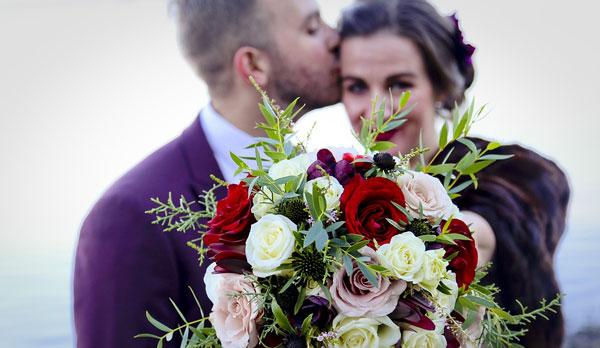 Spring - Wedding - Cascade-bouquet