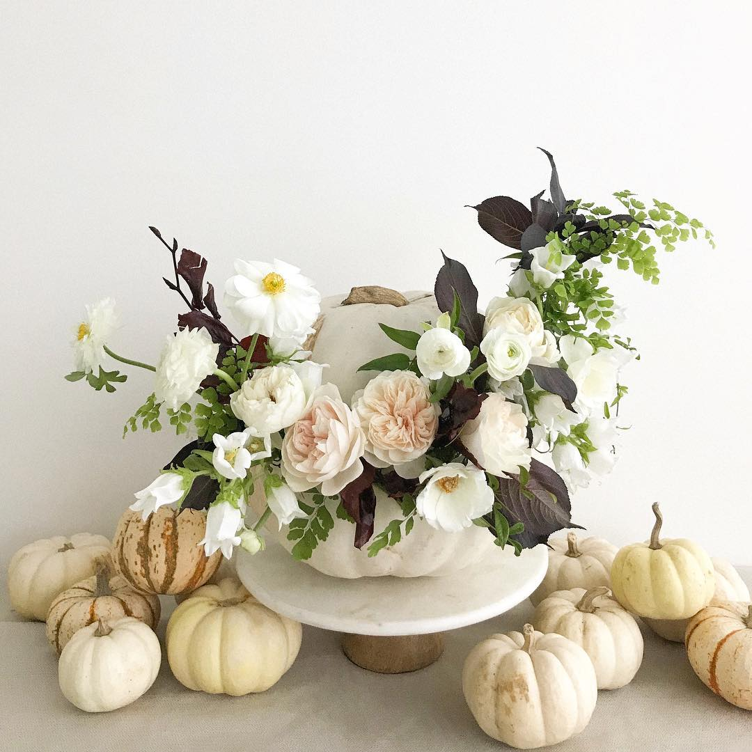 Halloween-arrangement-white