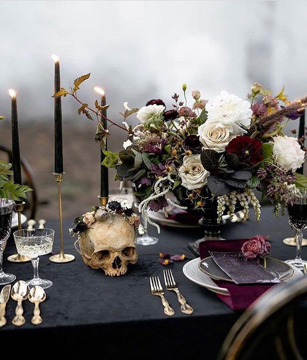 halloween-wedding-flowers-reception