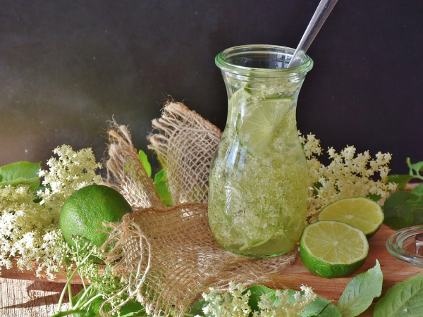 Elderflower-lime-drink