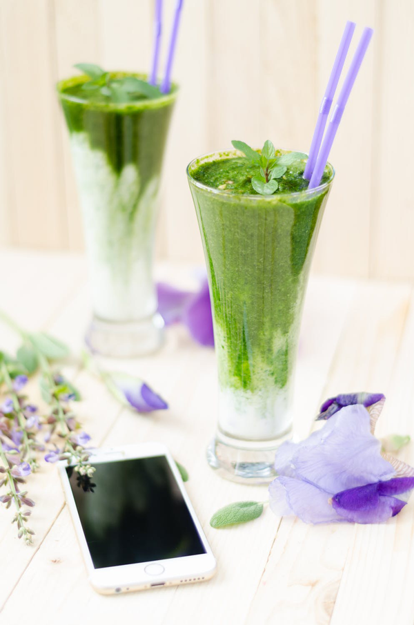 Flower-Drink-Cellphone-1